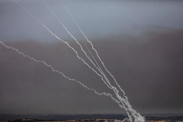 Des roquettes tirées depuis Gaza vers Israël, le 11 mai