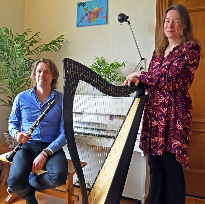 Michiel Meijers en Suzanne Rocher vormen samen Threads of Silver and Gold.