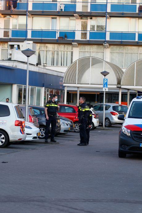 Gewonde na schietpartij bij winkelcentrum, politie zoekt beelden
