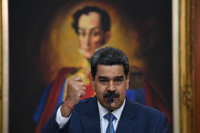 President Nicolás Maduro van Venezuela in zijn Miraflores paleis in de hoofdstad Caracas, voor een schilderij van Simon Bolivar, de Venezolaanse vrijheidsstrijder.