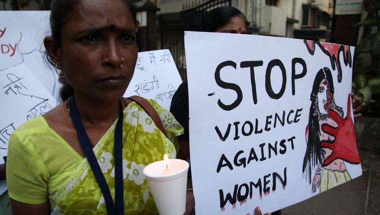 Stille mars voor het slachtoffer van een groepsverkrachting. Beeld epa