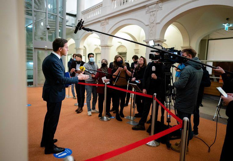 Premier Mark Rutte geeft een toelichting aan de pers na afloop van een extra ministerraad over de toeslagenaffaire woensdag. Beeld ANP