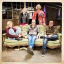 Mees, Simone, Roland, Chantal en Rudy (vlnr.)  werken mee aan het programma Leven voor de dood.