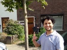 In de Pioenroosstraat: De eerste die aanbelt bij Rajesh