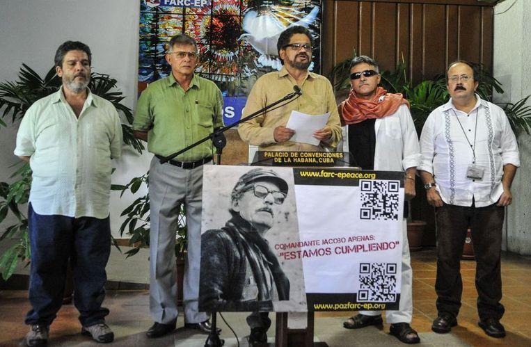 Ivan Marquez (midden), hoofdonderhandelaar van de FARC, sprak van een significante vooruitgang in de vredesgesprekken. Beeld afp