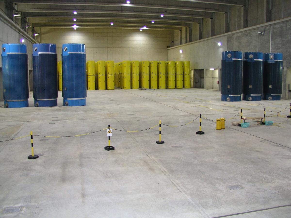 In Ahaus is al een tijdelijke bovengrondse opslag voor kernafval. Duitsland zoekt nu naar een definitieve ondergrondse plek, onder meer aan onze grens.