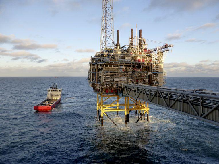 Een olie- en gasplatform van het Noorse energiebedrijf Statoil bij Stavanger, Noorwegen.   Beeld REUTERS