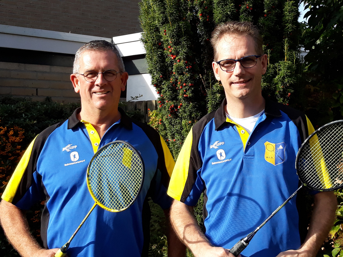 Erik van Boxtel (links) en Marc Wagemans zijn al vele jaren actief voor de Gestelde badmintonclub.