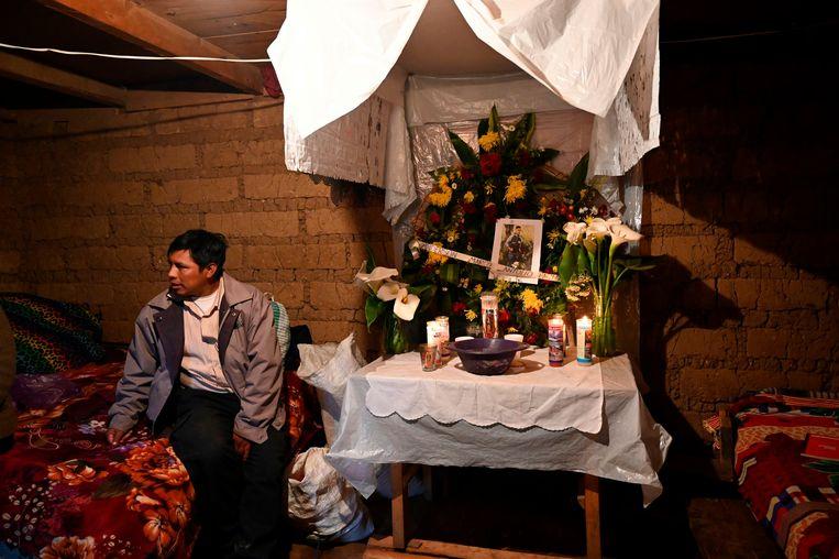Marco Pablo, vader van Anderson (16 jaar), vermoedelijk een van de slachtoffers. Beeld AFP