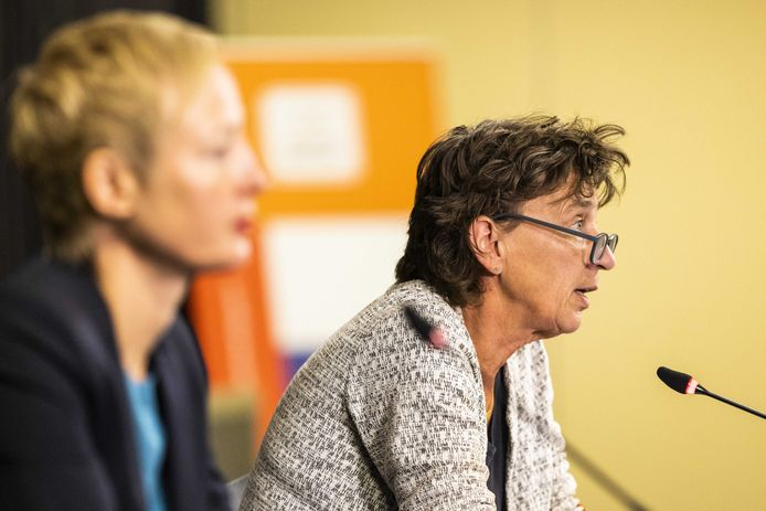 Marieke van der Plas, directeur KNGU (links), en Anneke van Zanen, voorzitter NOC*NSF.