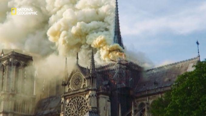 Het inferno van de Notre-Dame: zo kwam de blusoperatie op gang