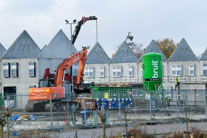 Mensen die in de nieuwbouwwijk Volgerlanden in Hendrik-Ido-Ambacht komen wonen, zijn dit jaar 859 euro kwijt aan woonlasten. Na inwoners van Zwijndrecht en Hardinxveld-Giessendam betalen zij het meest in de Drechtsteden.