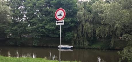 Risico dat zwemmers op bootjes springen wordt te groot: zwemverbod in deel van Mark in Breda