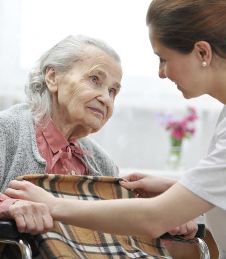Rode Kruis helpt in verpleeg- en verzorgingshuizen