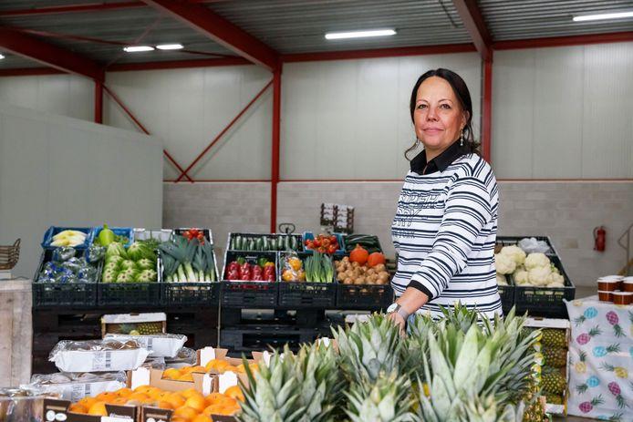 Bianca van Rijsewijk moet met haar partner stoppen met de groentenwinkel aan de Koekoeksedijk. Vanwege het bedrijventerrein mag ze er niet verkopen aan particulieren.