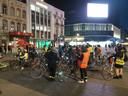 De groep fietsers is veel te groot.