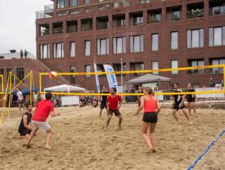 Beachvolleybalterreinen ingespeeld met tweedaags tornooi