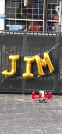 Bij Feyenoord is een herdenkingsplekje gemaakt voor Jim. Hij was fanatiek Feyenoordfan.