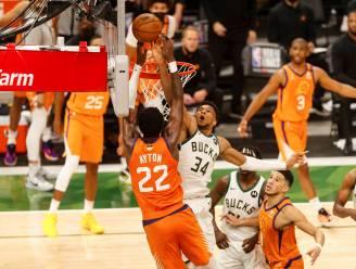 Plots is het weer spannend: Milwaukee Bucks maken er 2-2 van in NBA-Finals, Antetokounmpo pakt uit met block voor de geschiedenis