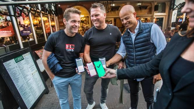 Volle terrassen in Den Haag verlichten druk van CoronaCheck-app en soepele omgang met controle