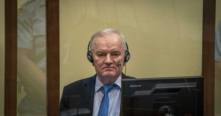 Ratko Mladic in de rechtszaal op 8 juni 2021. Beeld EPA