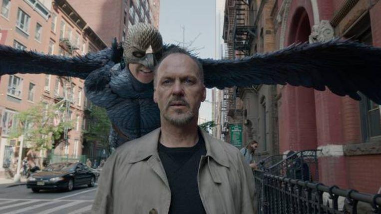 In 'Birdman' hoort Michael Keaton de stem van Birdman in zijn hoofd. Beeld rv