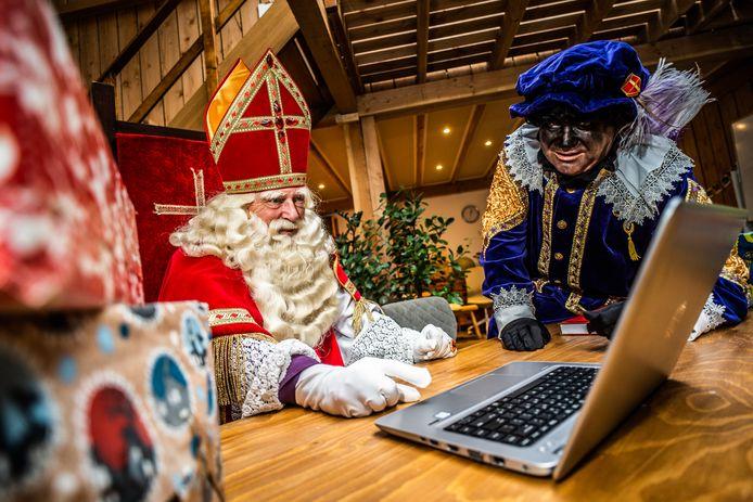 Corona houdt dit jaar ook Sinterklaas van de straat. In Driel brengen de sint en zijn pieten 4 en 5 december via het beeldscherm het sinterklaasgevoel in de huiskamers.