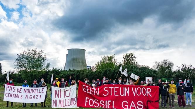 Actiegroep Tegengas hield halt in Vilvoorde tijdens fietsactie om te protesteren tegen komst grote gascentrale