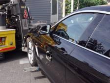Inbrekers boren gaten in BMW's in Vathorst en gaan er met stuur en dashboard vandoor