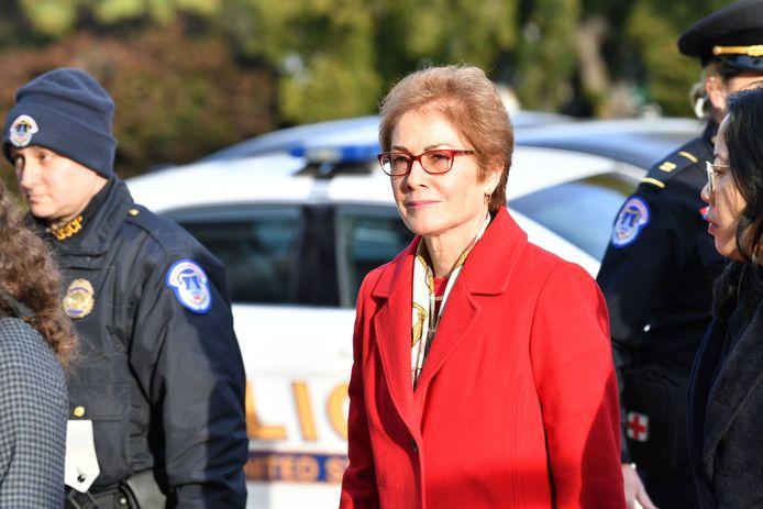 Marie Yovanovitch bij haar aankomst aan het Congres.