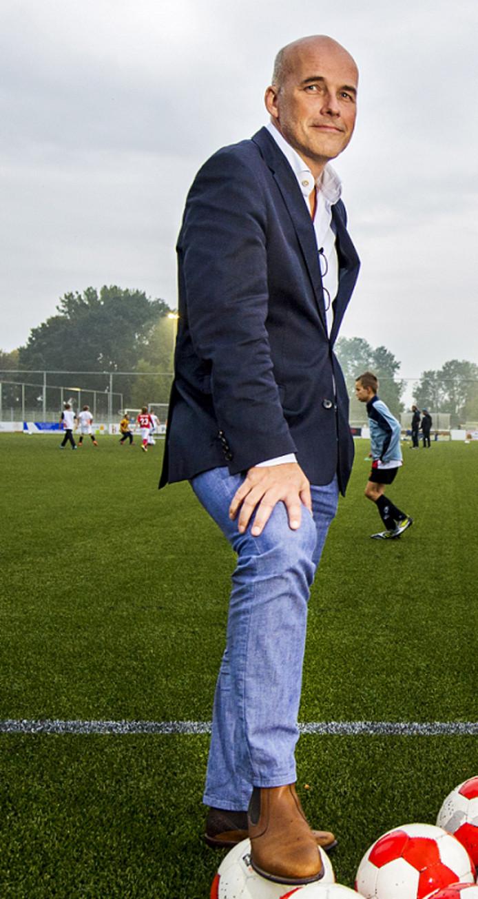 Ton Hendrickx stelt zichzelf herkiesbaar voor de ledenraad van de KNVB. Archiefbeeld.