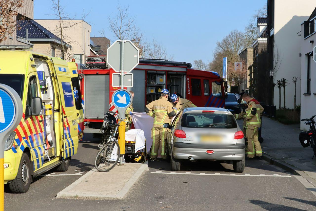 Het ongeval vond plaats aan de Hulsmaatstraat bij de overweg met de Lonnekerspoorlaan