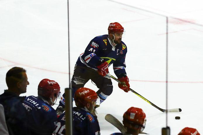 Levi Houkes in actie bij een eerdere wedstrijd van de Nijmegen Devils.
