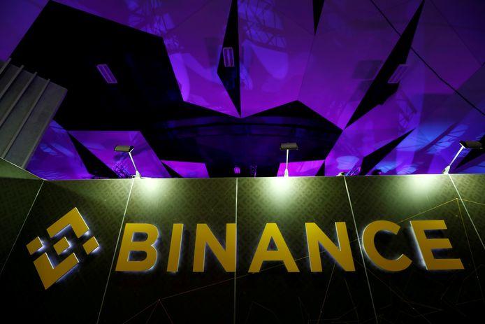 Het logo van Binance op een crypto-event in Malta.