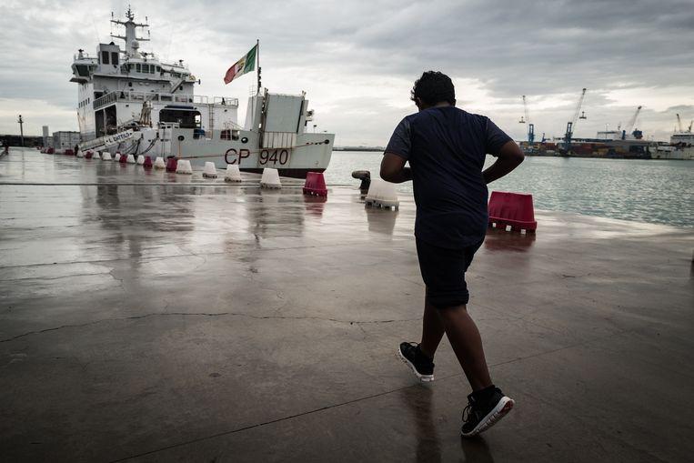 De haven van Catanië werd dit jaar wereldnieuws toen de Diciotti hier aanmeerde. De Italiaanse regering weigerde de 190vluchtelingen aan boord op te vangen. Beeld Nicola Zolin