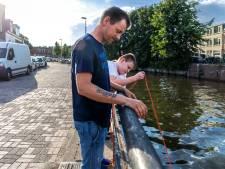 Vader en zoon magneetvissen: 'Ik was een schoffie vroeger. Brand stichten, darten op ramen...'