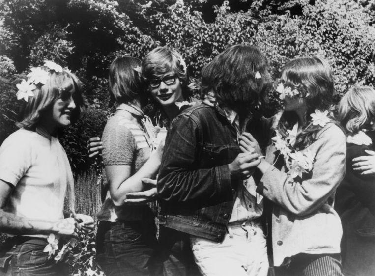 Hippies in het Amsterdamse Vondelpark. Beeld Gamma-Keystone via Getty Images