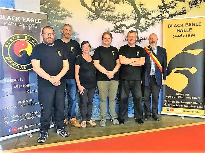 De leden van de kung fu-club Black Eagle uit Halle vierden het voorbije weekend met een grote zomerstage en receptie de vijfentwintigste verjaardag van de vereniging.