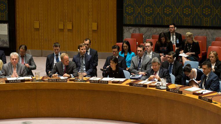 De Amerikaanse VN-ambassadeur Nikki Haley (centraal).