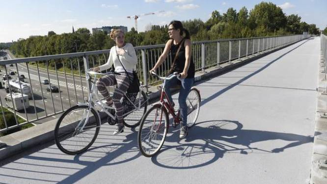 Fietsers dan toch toegelaten op vernieuwde brug over ring?