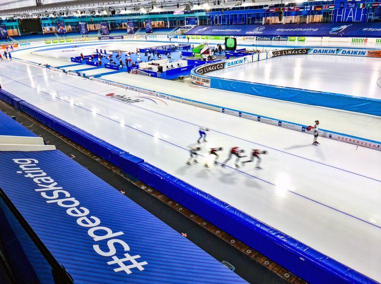 Een training in schaatstempel Thialf in Heerenveen. Beeld Photo News