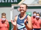 Après son titre en simple, Barbora Krejcikova réussit le doublé avec le double