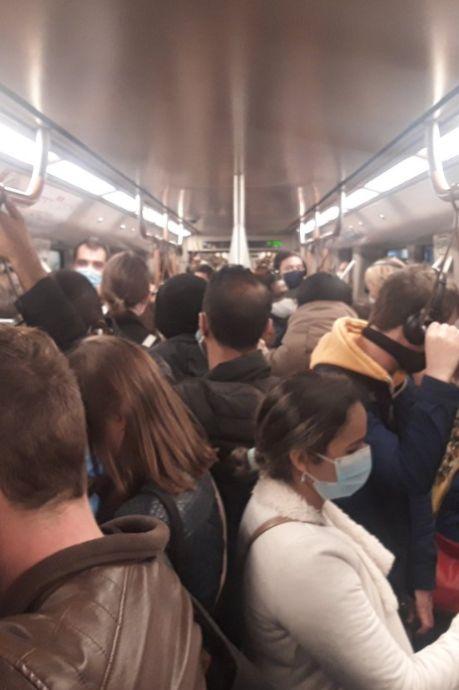 Actions syndicales et métros bondés: la Stib lance un appel à ses voyageurs