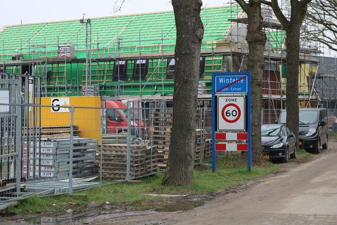 Woningen die toen nog in aanbouw waren tijdens de eerste fase van Koemeersdijk in Wintelre.