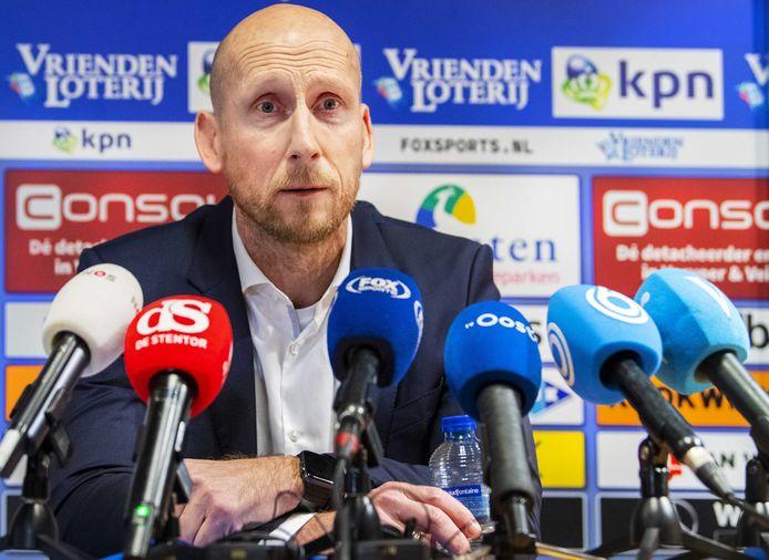Jaap Stam wordt gepresenteerd als de nieuwe hoofdtrainer van PEC Zwolle.