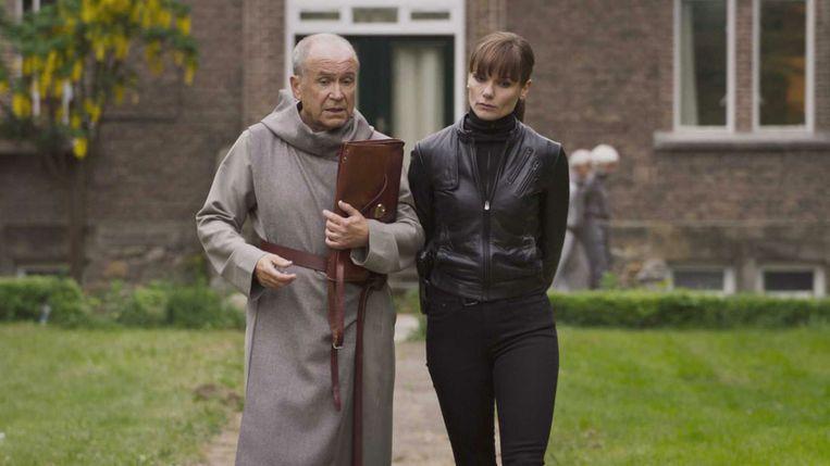 Johan Ooms en Angela Schijf in 'Flikken Maastricht'. Beeld AVRO