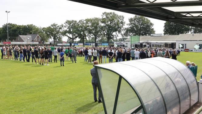 Voetbalclub neemt op gepaste, waardige en massale wijze afscheid van 'Mister EVVC' Frans van Zoggel