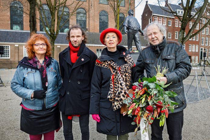 De delegatie van NCPN Twente (en SP), voorafgaand aan de herdenking februaristaking. Vlnr. :Geki Luiten, Johnny Hagreis (SP), Corry Westgeest en Rik Min.