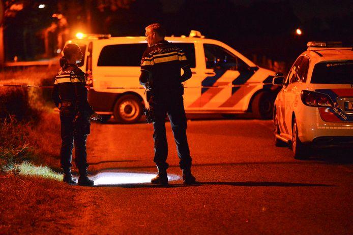 Onderzoek van de politie op de plek van het misdrijf in Rijsbergen.