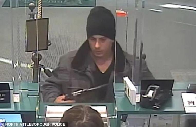 Christopher Castillo overvalt bank tijdens eerste afspraakje.